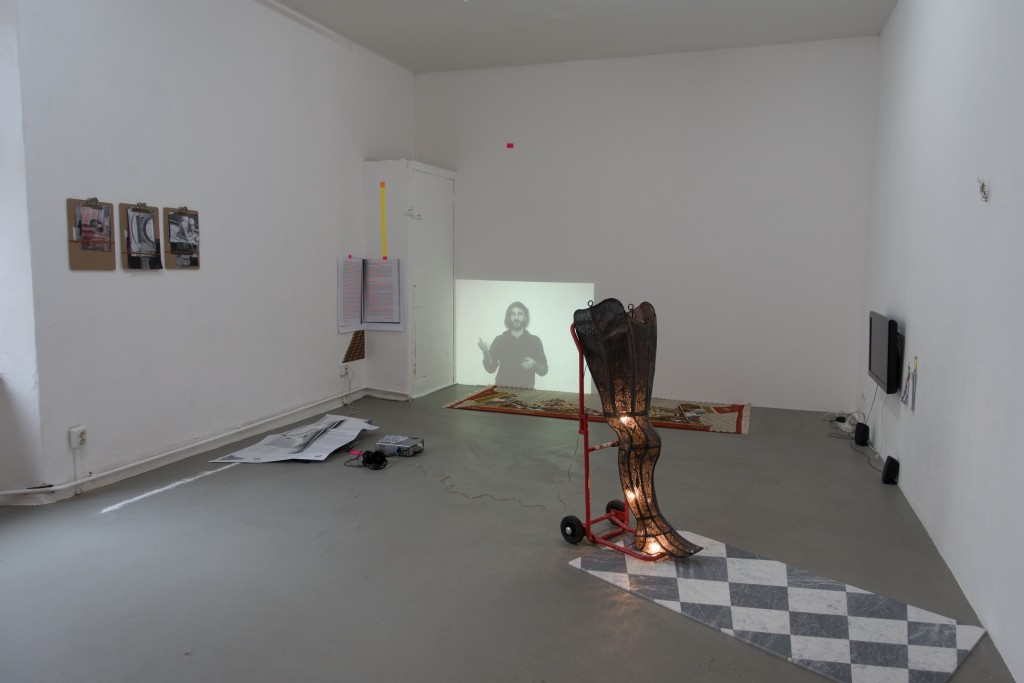 Pillar Huggers exhibition overview, Or Gallery, Berlin, January 2015